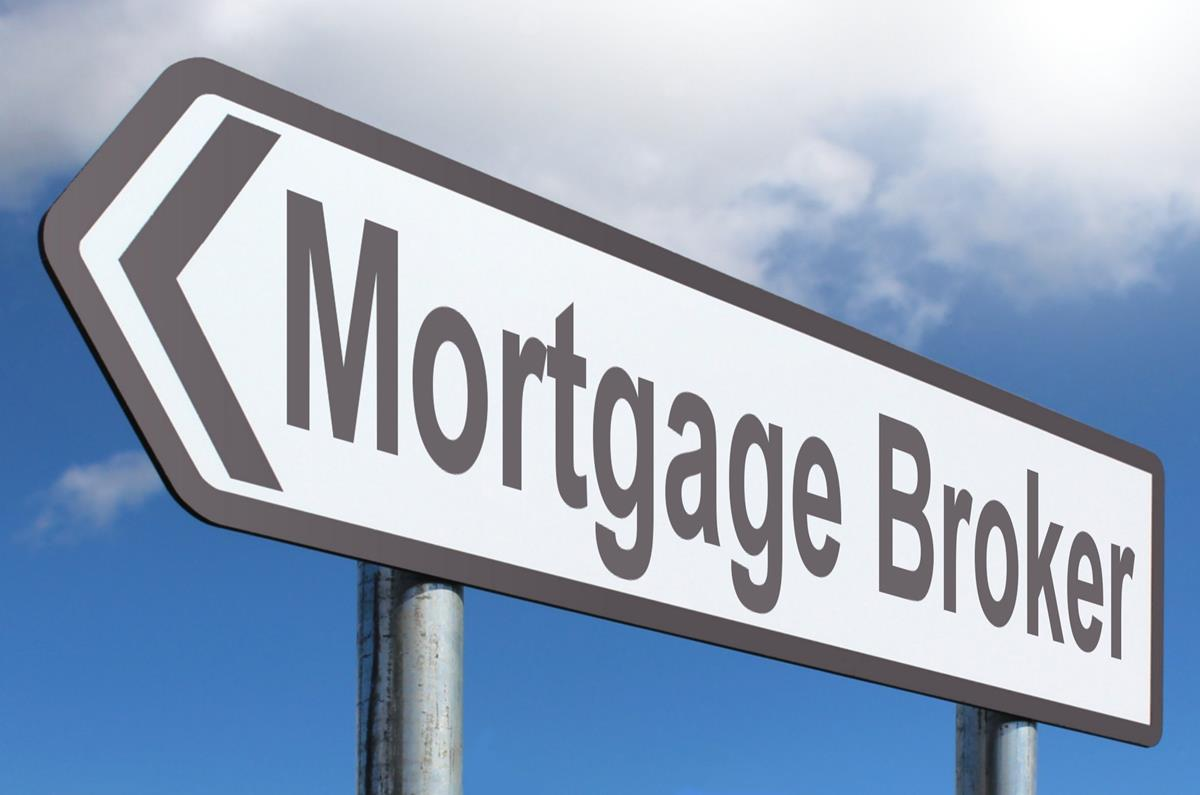 What is a Typical Day in the Life of a Mortgage Broker? - Quick Pass Master